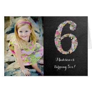 Festa de aniversário floral das meninas do quadro cartão comemorativo