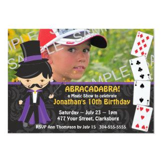 Festa de aniversário mágica da mostra convites