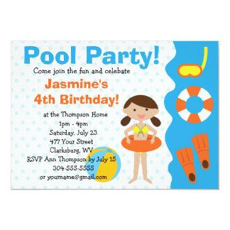 Festa na piscina do aniversário da menina feita convites personalizados