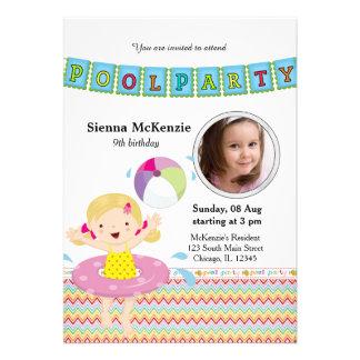 Festa na piscina (menina) com uma foto convites personalizado