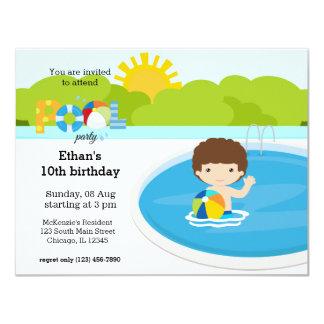 Festa na piscina (menino) convite 10.79 x 13.97cm