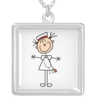 Figura fêmea branca enfermeira 2 da vara colar com pendente quadrado