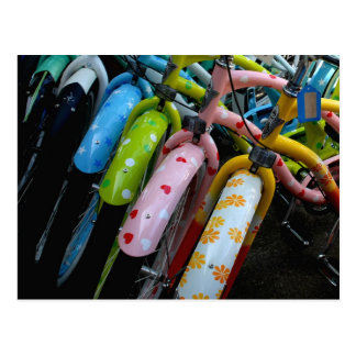 Fileira das bicicletas cartão postal