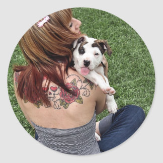 Filhote de cachorro afortunado do T-Osso do Adesivos Em Formato Redondos