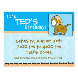 Filhote de cachorro do convite do aniversário