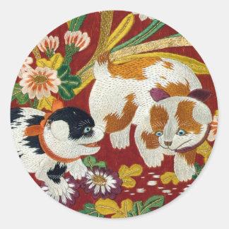 Filhote de cachorro e flor japoneses do vintage adesivos em formato redondos
