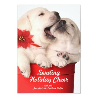 Filhotes de cachorro brincalhão do Natal em um Convite 12.7 X 17.78cm