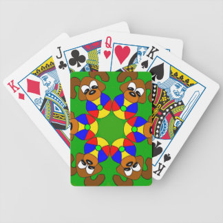 Filhotes de cachorro com bolas coloridas cartas de baralho
