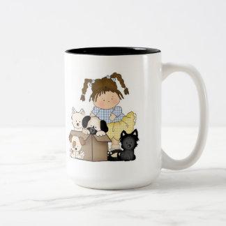 Filhotes de cachorro do amor caneca de café em dois tons