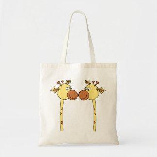 Fim-acima de dois girafas. Desenhos animados Bolsa Para Compras
