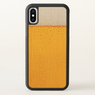 Fim-acima do vidro de cerveja engraçado