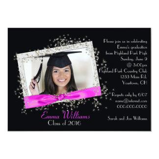 Fita cor-de-rosa com convite da graduação do
