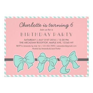 Fitas e convite de aniversário cor-de-rosa dos arc