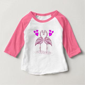 Flamingos no amor camiseta para bebê