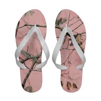 Flip-flops cor-de-rosa da árvore