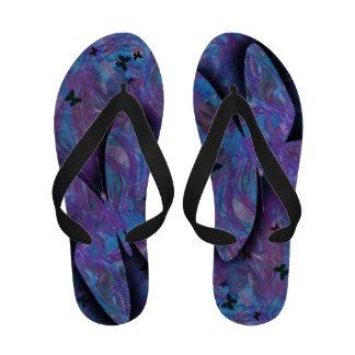 Flip-flops da borboleta da lavanda das senhoras