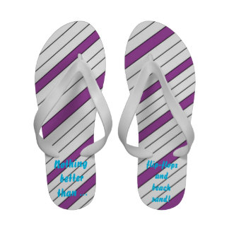 Flip-flops e areia da praia