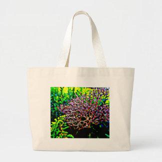 Flor abstrata do Milkweed no campo Bolsa Tote Grande