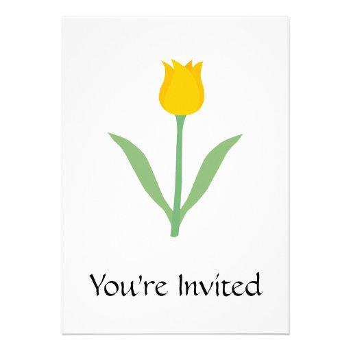 Flor amarela da tulipa convite