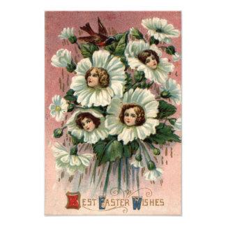 Flor branca da menina do Victorian Impressão De Fotos