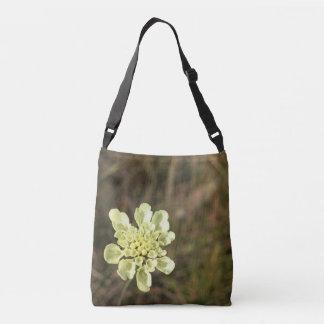 Flor branca selvagem - bolsa ajustável