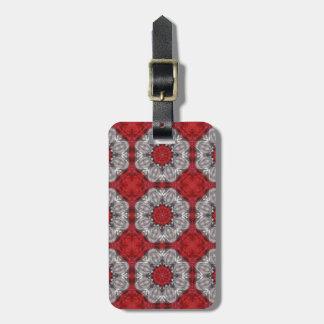 Flor cinzenta com vermelho no vermelho Textured Etiqueta De Bagagem