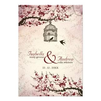 Flor de cerejeira e convite de casamento dos pássa
