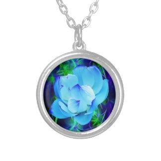 Flor de lótus azuis e seu significado colar banhado a prata