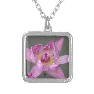Flor de Lotus Bijuteria Personalizada