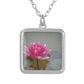 Flor de Lotus Pingente