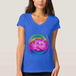 Flor de Lotus no arco-íris Camiseta