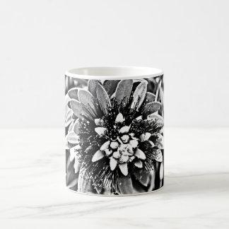 Flor do cacto no Cu clássico preto e branco do Caneca De Café