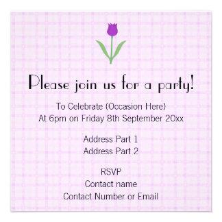 Flor roxa da tulipa convites