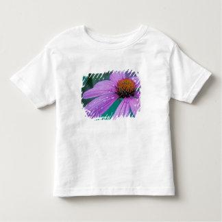 Flor roxa do cone com gotas da água tshirt