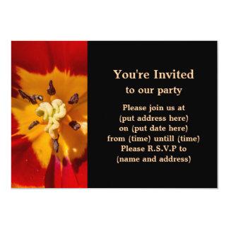 Flor vermelha e amarela da tulipa convite 12.7 x 17.78cm