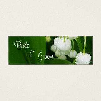 Flores brancas que Wedding o Tag dos cartões de