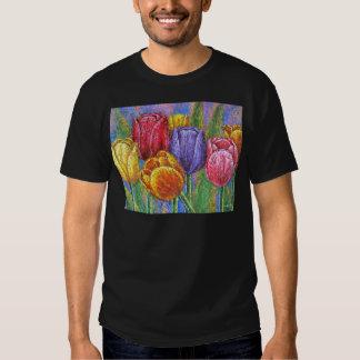 Flores coloridas das tulipas que pintam a arte t-shirts
