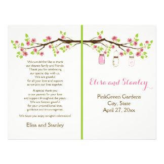 Flores de cerejeira cor-de-rosa, frascos de panfletos