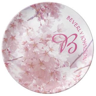 Flores de cerejeira rosas pálido da dama de honra prato de porcelana
