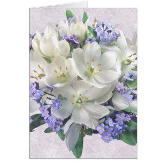 Flores do primavera. Açafrões e cartão do miosótis