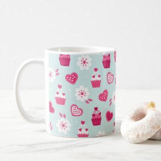 Flores dos cupcakes dos corações dos doces do dia caneca de café