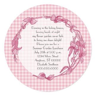 Flores e almoço cor-de-rosa do guingão convites