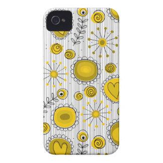Flores lunáticas na caixa amarela do iPhone 4/4S Capinhas iPhone 4