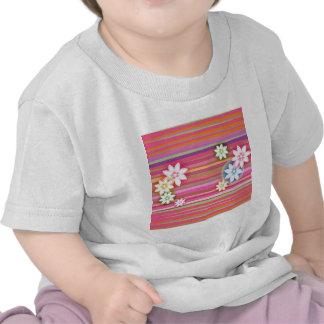 Flores no design gráfico floral da listra colorida camisetas