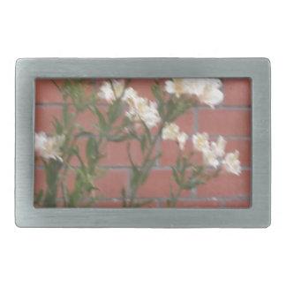 Flores no tijolo