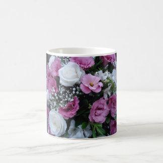 Flores para alegrar seu dia caneca