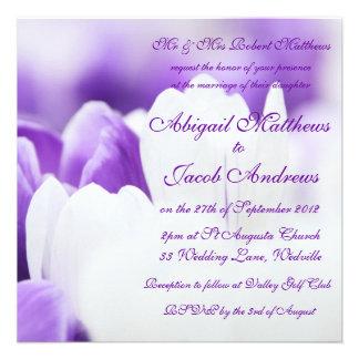 Flores roxas & brancas da tulipa - convite do casa