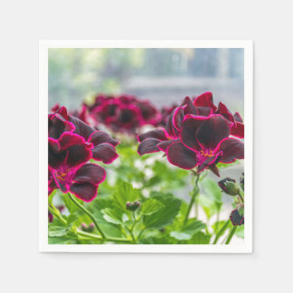 Flores roxas dentro e fora do foco guardanapo de papel