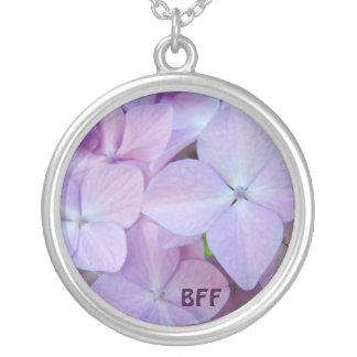 Flores roxas do Hydrangea da lavanda da colar de B