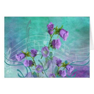 Flores roxas e notas musicais cartão comemorativo